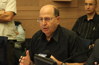 Defense Minister Ya`alon: Planned steps to ease conditions for Palestinians have been frozen